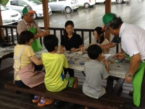 モビリア祭りで竹とんぼ教室
