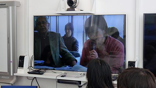 テレビ会議でまっさき会場と繋がる